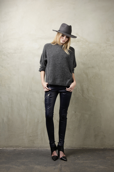 mason-august-k2597 oversize sweater-charcoal-380-m6160 leather pant-black-1095